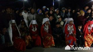 Families of Pamir Kyrgyz greeted in Naryn