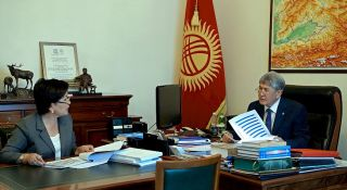 Atambayev gives instructions on preparation of schools for new academic year